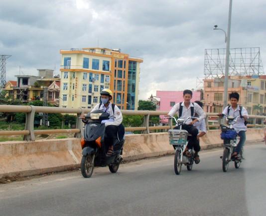 Tình trạng học sinh trên địa bàn thành phố Đồng Hới vi phạm ATGT có chiều hướng gia tăng.