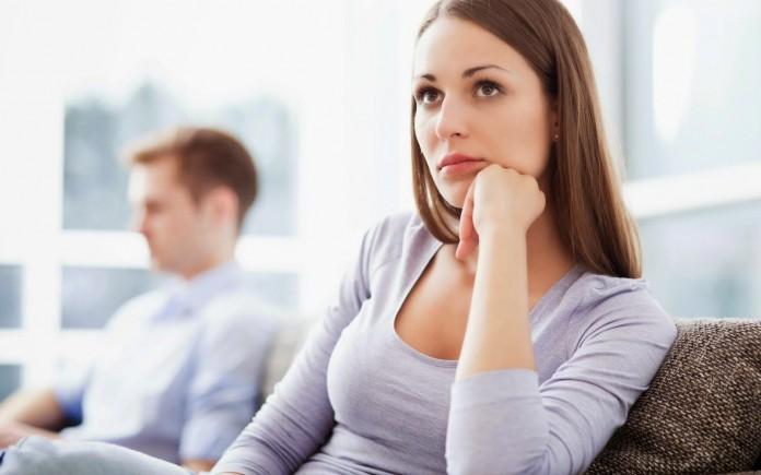 Đàn bà luôn mong muốn đàn ông sẽ hiểu tâm lý của mình và dỗ dành họ (Ảnh minh họa)