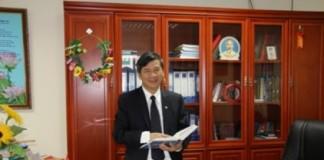 GS.TS. Nguyễn Anh Trí tại phòng làm việc.