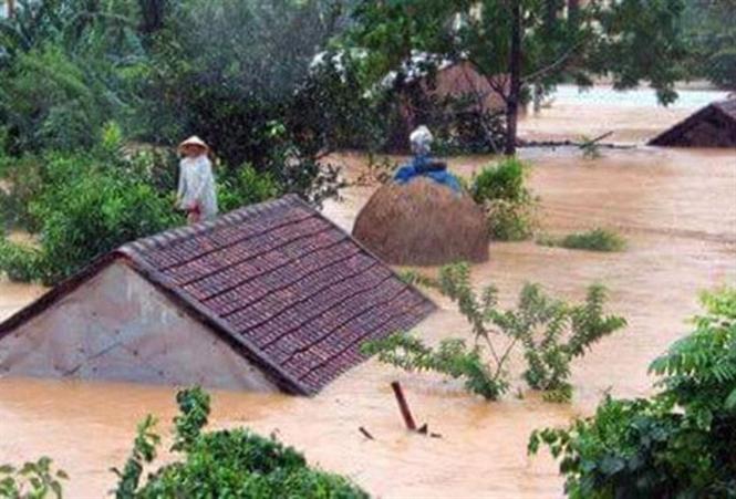 Nước ngập sâu tại vùng lũ
