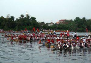 Lễ hội đua thuyền trên sông Kiến Giang