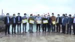 Các đồng chí lãnh đạo tỉnh thăm và động viên ngư dân đầu năm mới